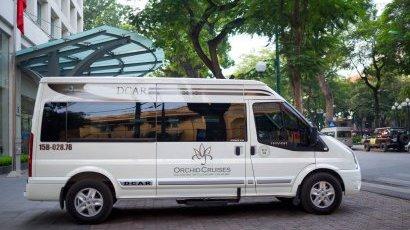 Luxury Mini Van 8